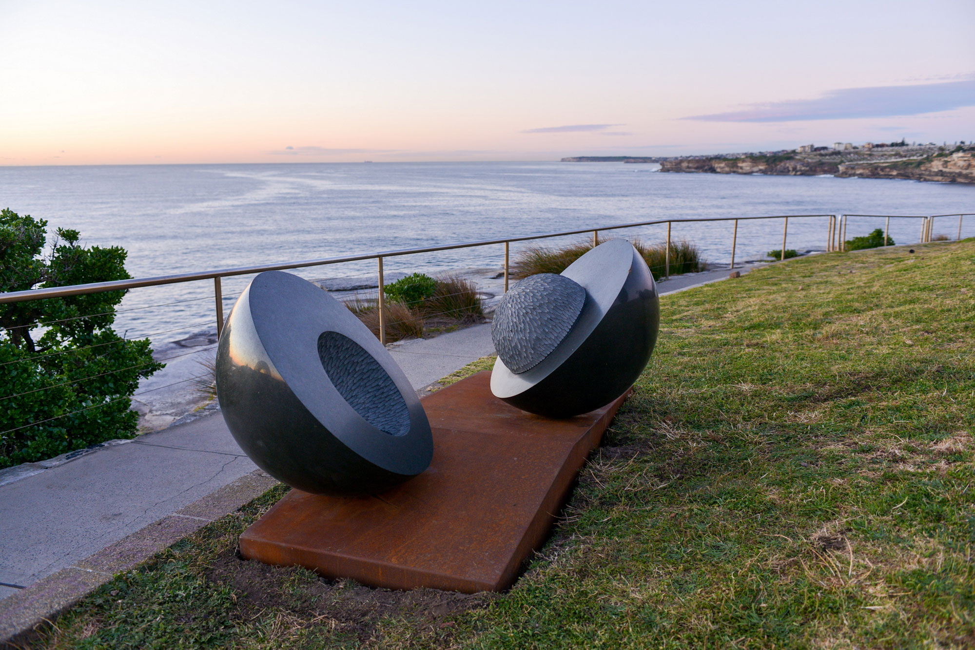 'milieu' (2016) basalt, Cor-ten, stainless steel, 120 x 200 x 100cm. Photo taken by Sculpture by the Sea Inc.
