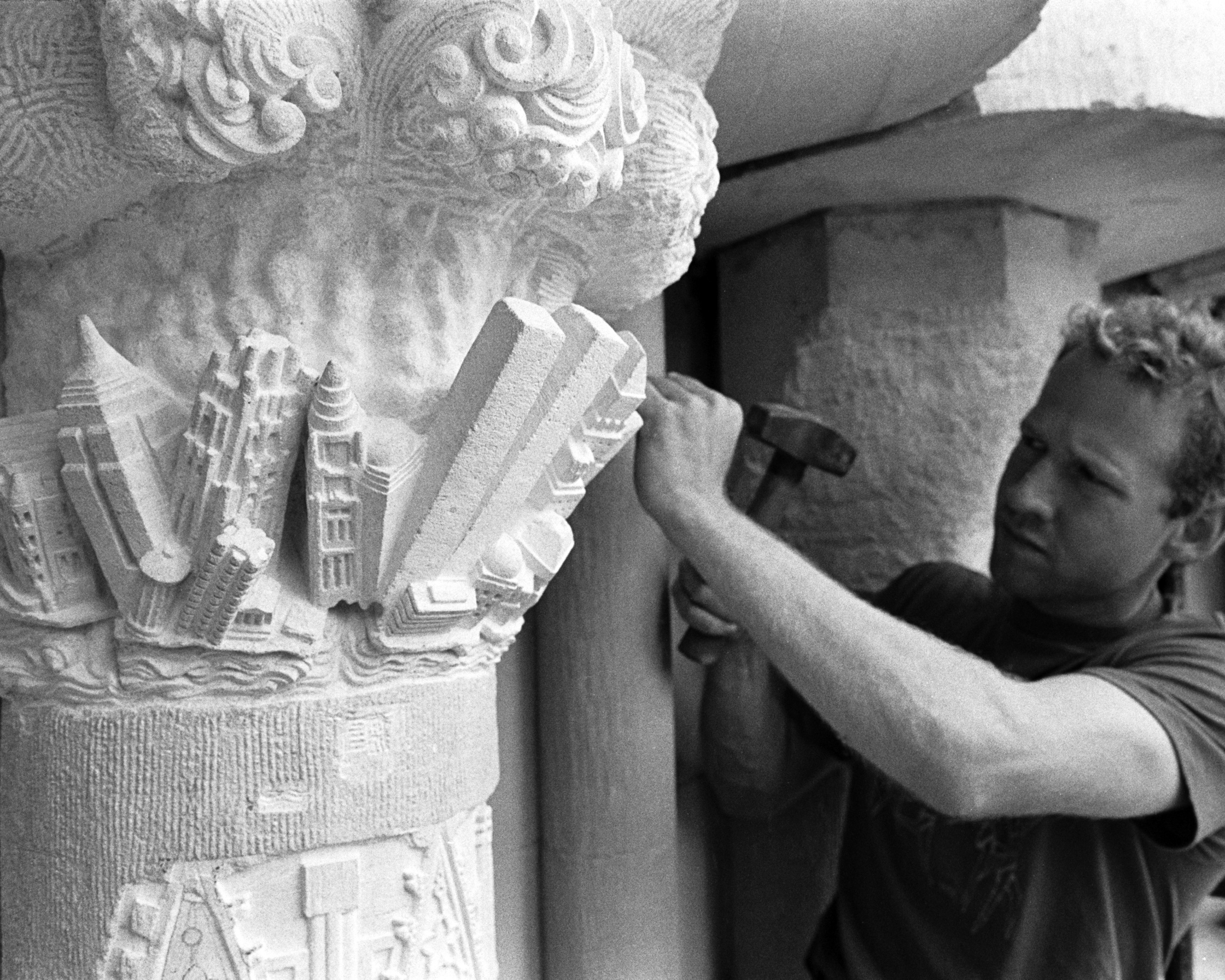 2)	Roughing out statue blocks placed in 1920's of Cathedral central portal, 1988 - Photo: Robert Rodriguez