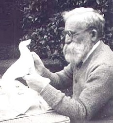 Francois-Pompon at work on bird form