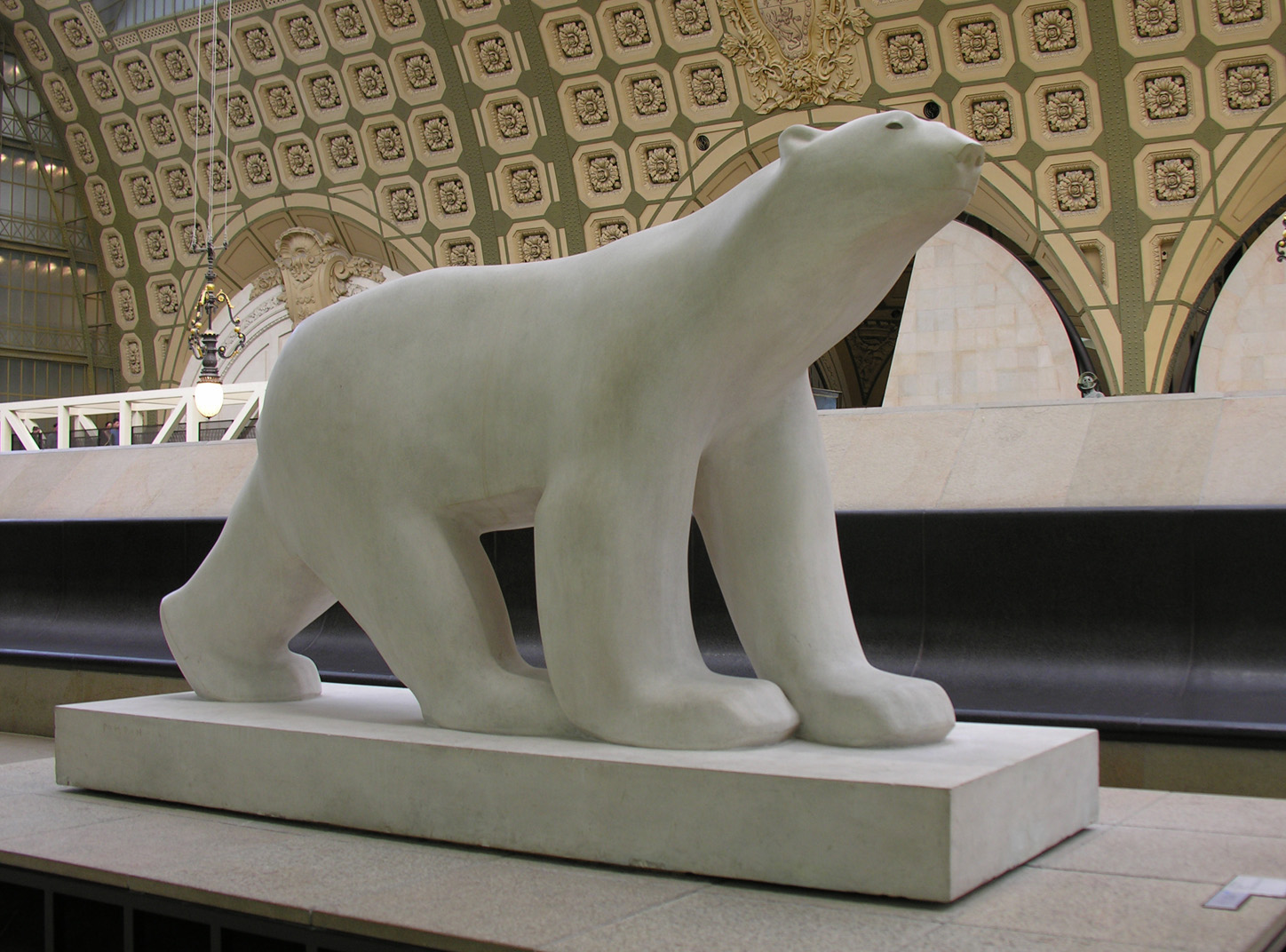 Francois Pomnons White Polar Bear at Musee de Orsay in Paris